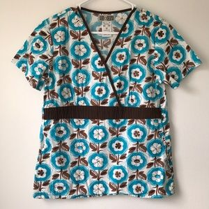 Tops - XS Scrub Top